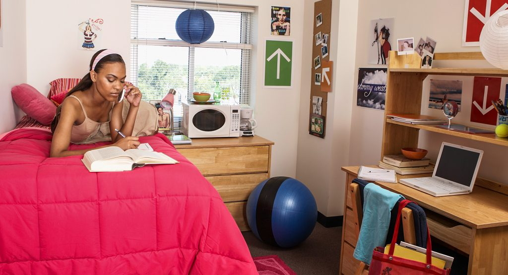Covid Tests and Quarantines: Colleges Brace for an Uncertain Fall